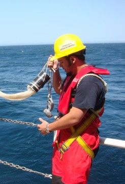 Campaña oceanografica A Selva (malla de plancton) ©EBMG