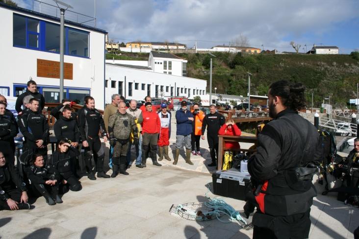 Charla antes dunha limpeza de fondos mariños coa CEMMA