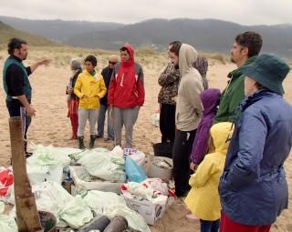 Charla sobre lixo mariño no día dos oceanos con ADEGA
