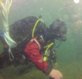Tomando mostras submariñas